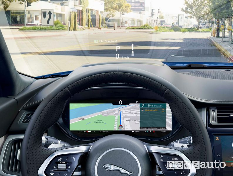 Head-up display abitacolo nuova Jaguar E-Pace