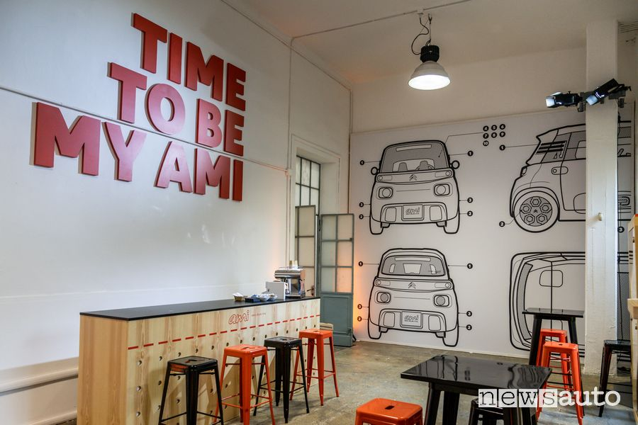 Zona Cafè dello spazio Time To Be My Ami alla Milano Design City 2020