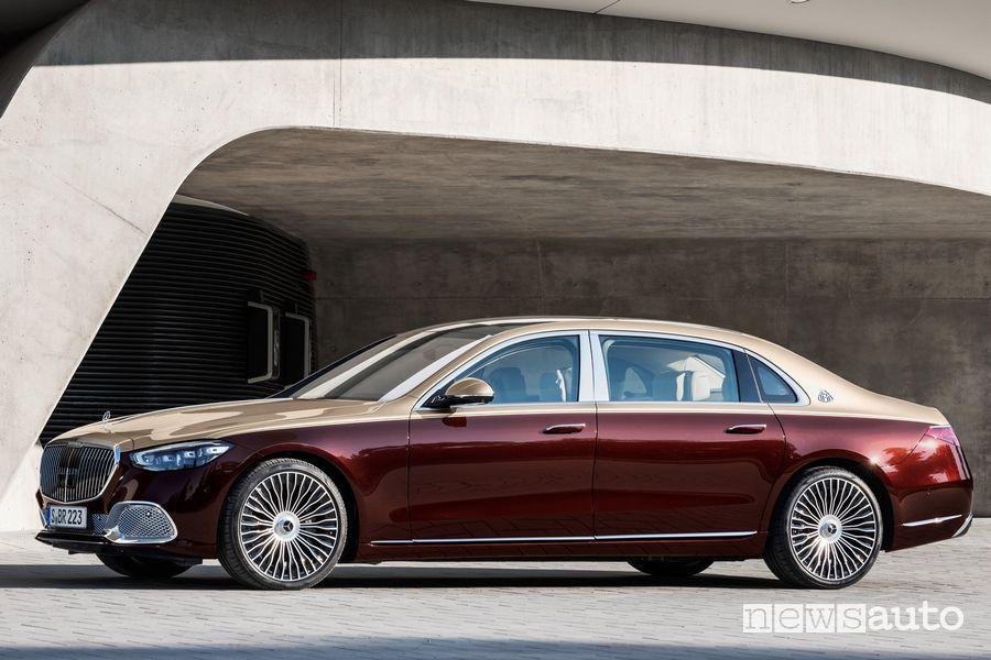 Vista laterale Mercedes-Maybach Classe S