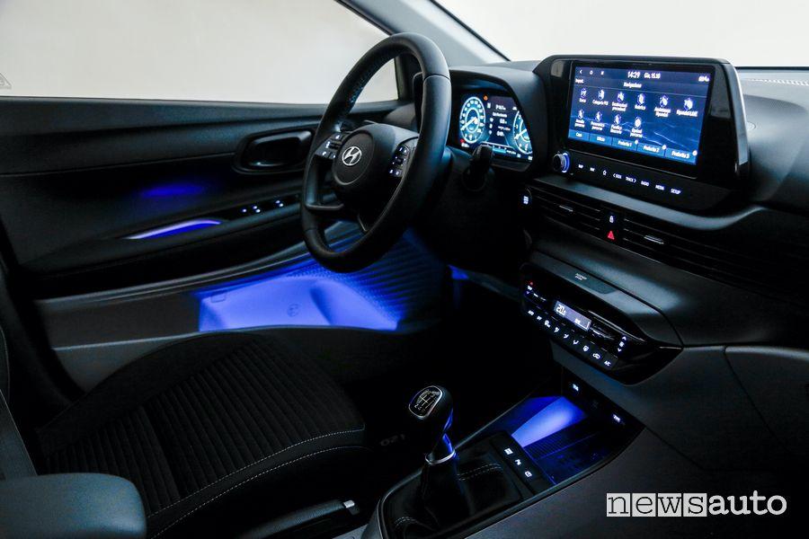 Luci ambiente blu abitacolo nuova Hyundai i20