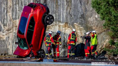 Photo of Incidenti auto, Volvo nuove cadono da 30 metri [foto e video]
