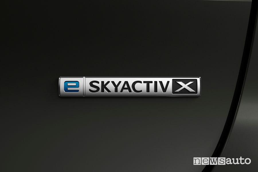 Logo e Skyactiv-X Mazda3 2021