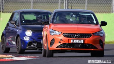 Confronto Abarth 595 Monster Energy Yamaha e Opel Corsa-e elettrica in pista a Vallelunga