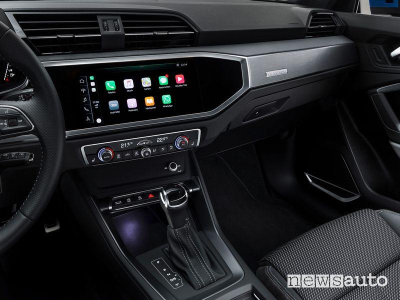 Infotainment MIB 3 con Apple CarPlay abitacolo Audi Q3