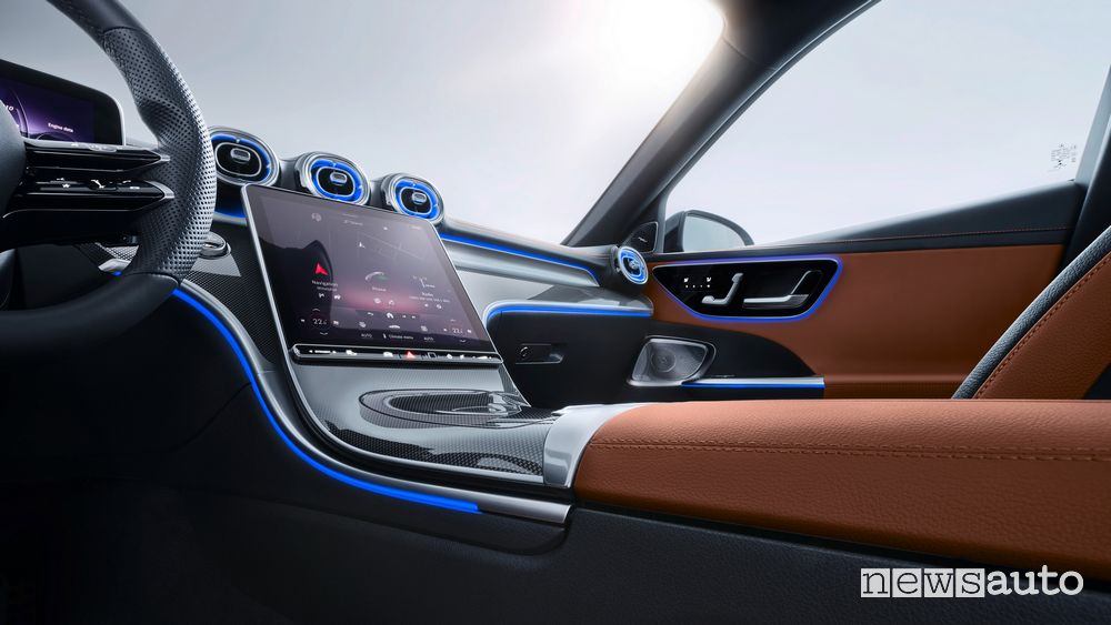 Infotainment touchscreen MBUX nuova Mercedes-Benz Classe C