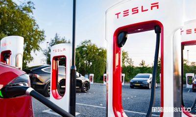 Tesla Supercharger, ricarica per tutte le auto elettriche