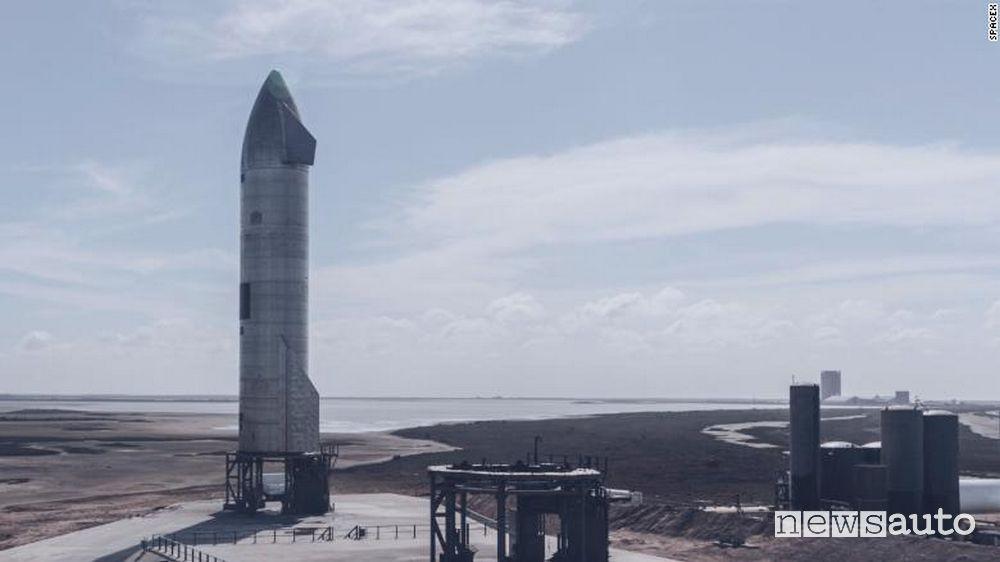 SpaceX SN11 il razzo di Elon Mask nella base di Boca Chica in Texas