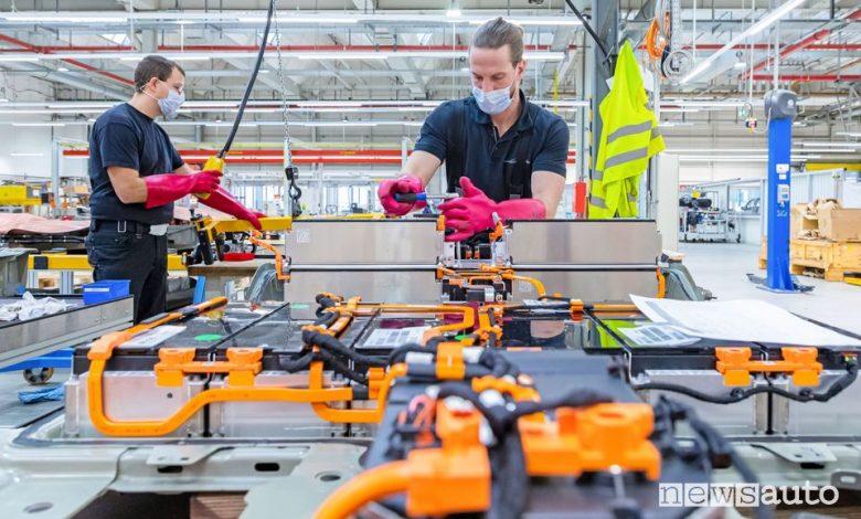 Problemi batterie auto elettriche, manutenzione nel centro Opel