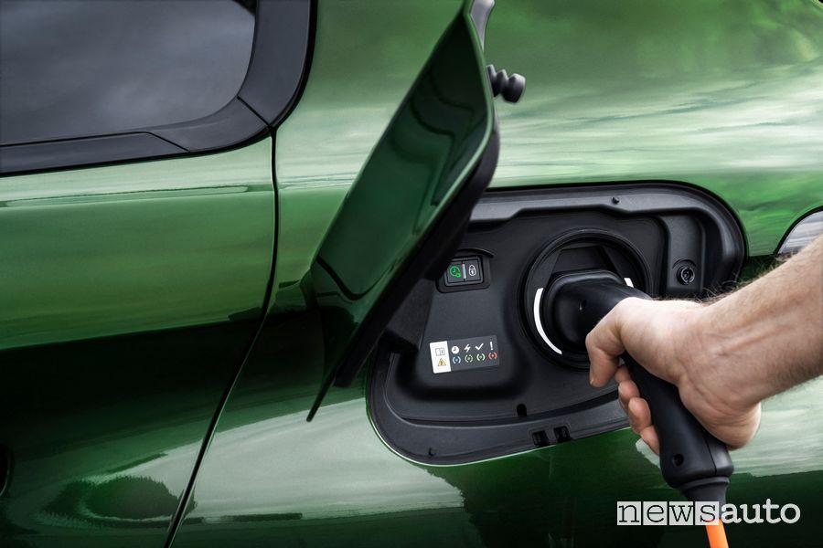Cavo di tipo 2 per la ricarica della nuova Peugeot 308 ibrida plug-in PHEV