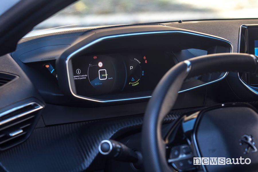 Display i-Cockpit 3D abitacolo Peugeot e-208 elettrica