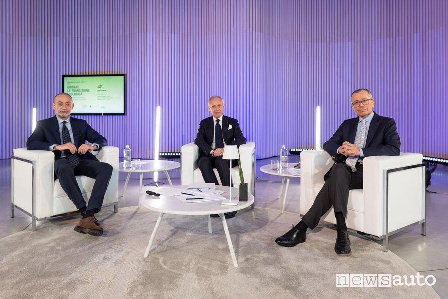 Michele Crisi di UNARE, Paolo Scudieri di ANFIA e Adolfo De Stefani Cosentino di Federauto