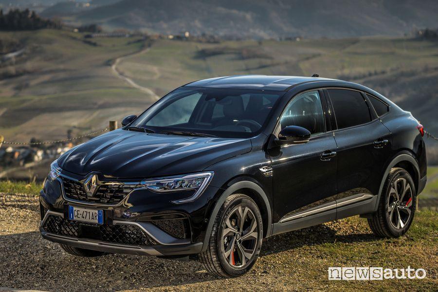 Vista di profilo Renault Arkana R.S. Line