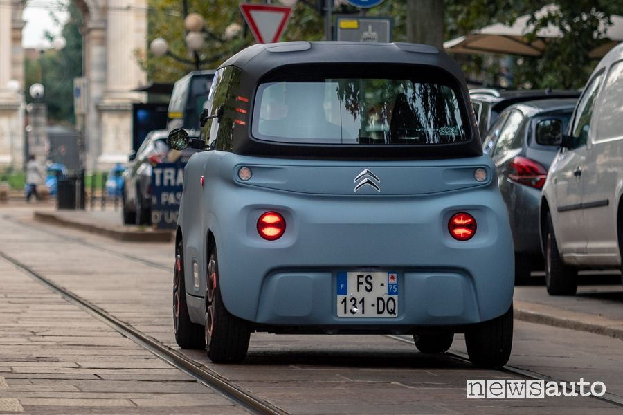 Citroën Ami, macchinetta elettrica senza patente
