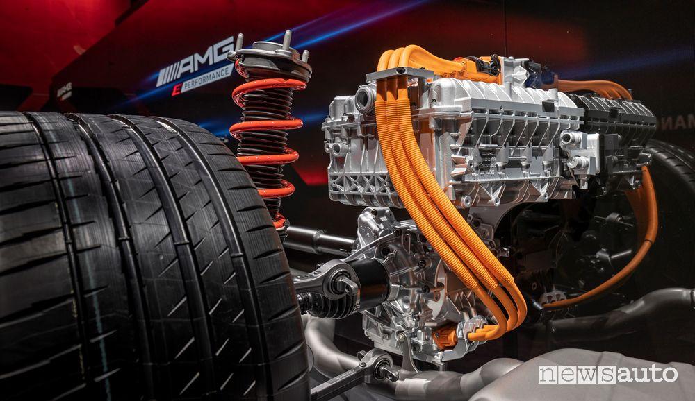 Motore elettrico sui sistemi ibridi ad alte prestazioni Mercedes-AMG E Performance