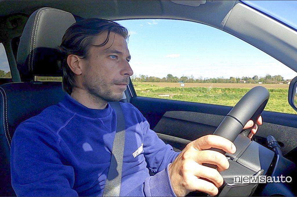 Marco Paternostro alla guida della Suzuki Vitara Hybrid 4x4 2021