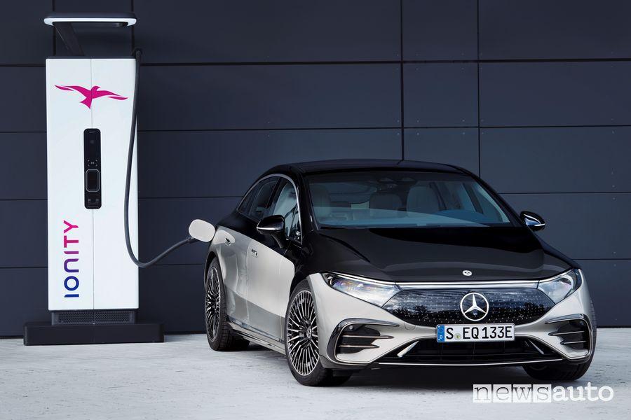 Mercedes-EQ EQS 580 4MATIC in ricarica rapida Ionity