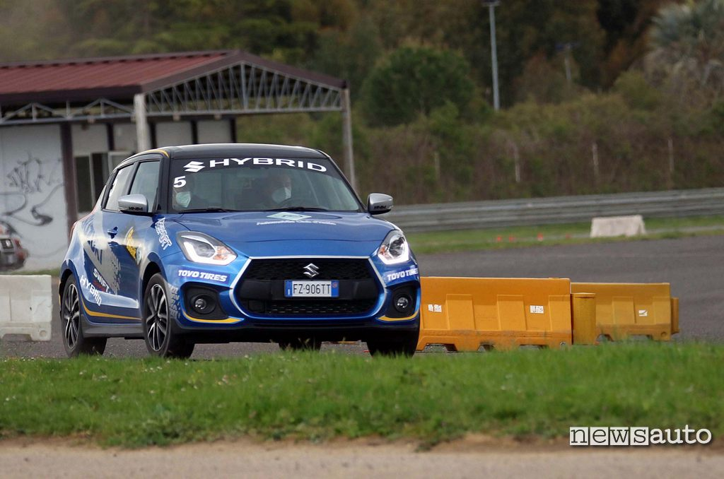 Suzuki Swift Sport Hybrid in pista al Rally Italia Talent 2021
