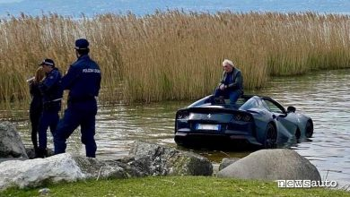 Photo of Incidente Ferrari, finisce nel lago di Garda una 812 GTS