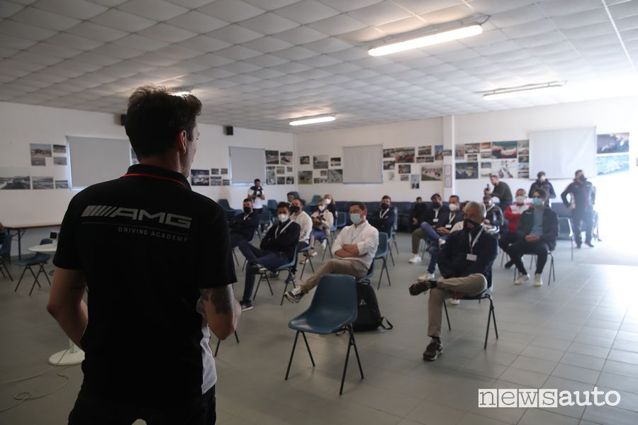 Briefing AMG Driving Academy a Magione