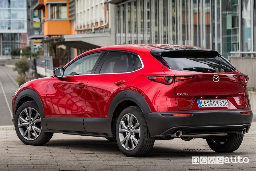 Vista posteriore Mazda CX-30 2021