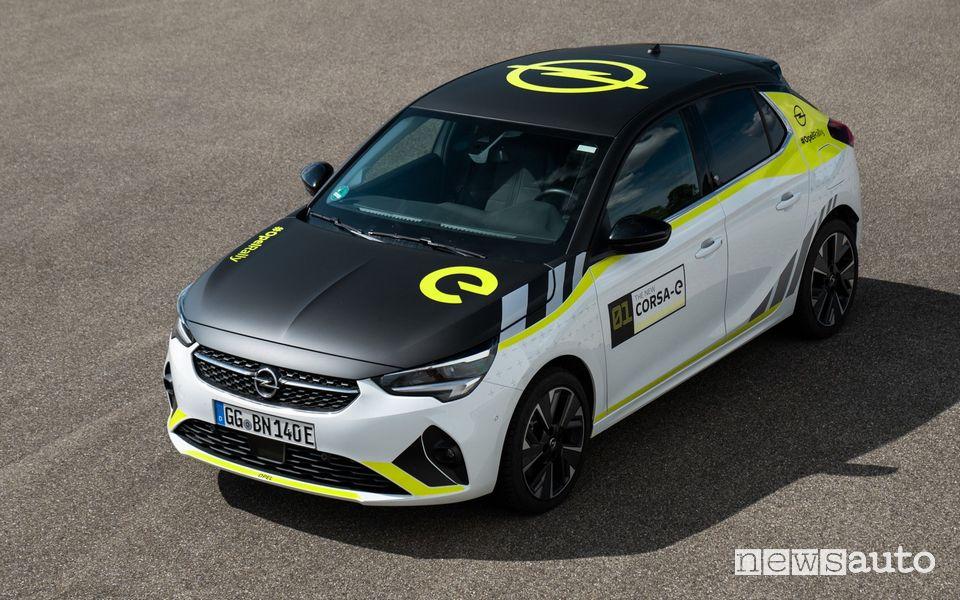 Opel Corsa-e auto elettrica wrappata rally