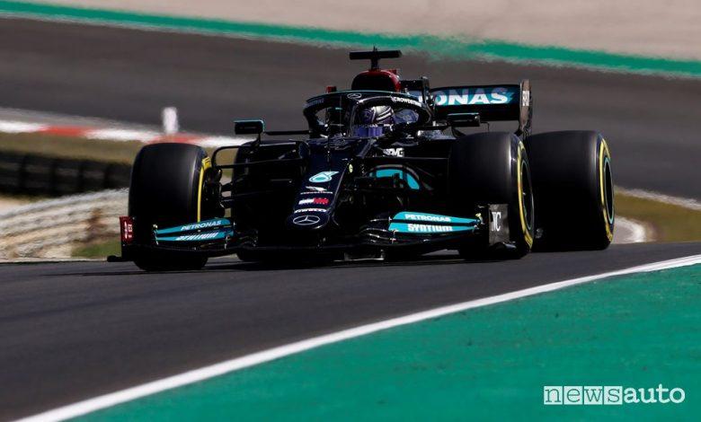 F1 Gp Portogallo, domina la Mercedes con Hamilton