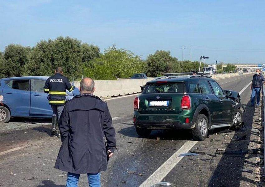 Impatto mortale fra la Hyundai i10 e la Mini Countryman incidente