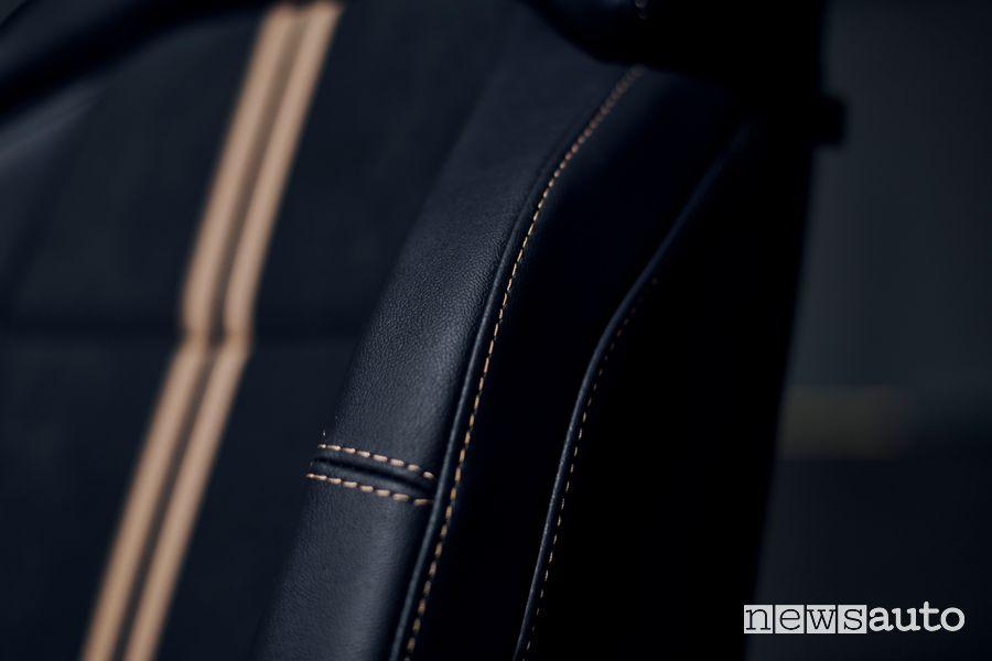 Cuciture sedili abitacolo Ford Puma ST Gold Edition