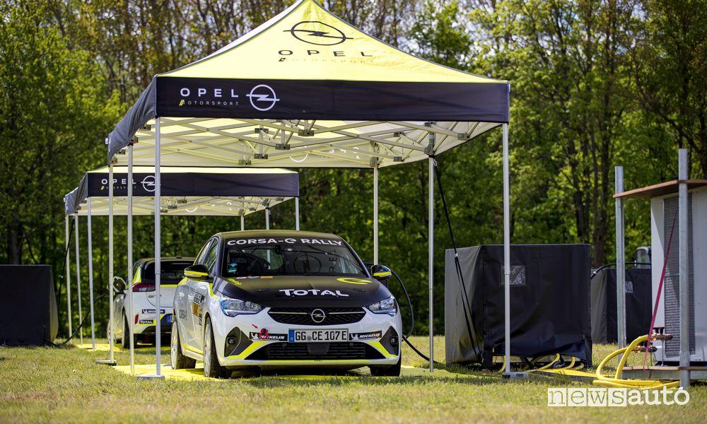 Ricarica Opel Corsa-e elettrica da rally