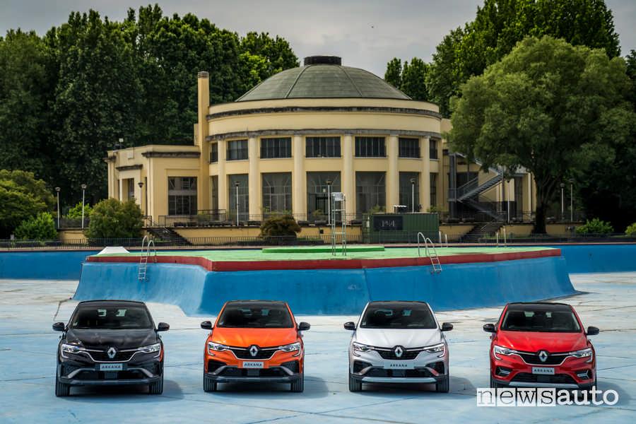 Lido di Milano con Renault Arkana E-TECH in varie colorazioni