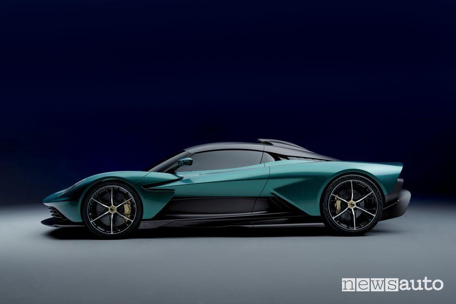 Vista laterale Aston Martin Valhalla