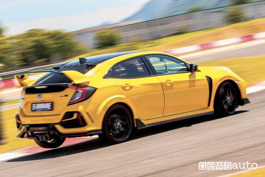Vista posteriore Honda Civic Type R Limited Edition test all'ISAM di Anagni