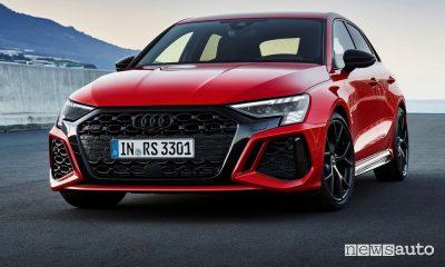 Vista di profilo nuova Audi RS 3 Sportback
