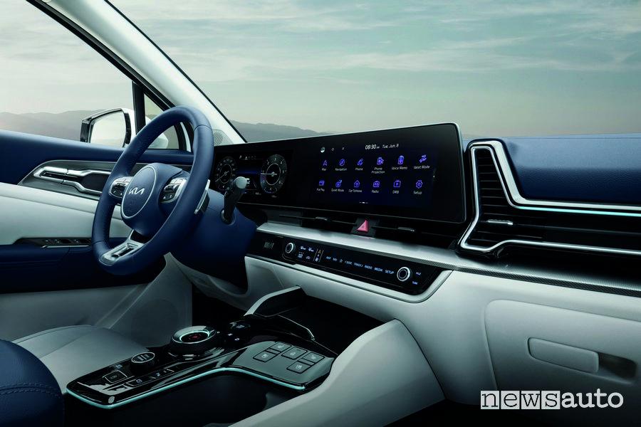 Plancia strumenti con display curvo integrato nuovo Kia Sportage
