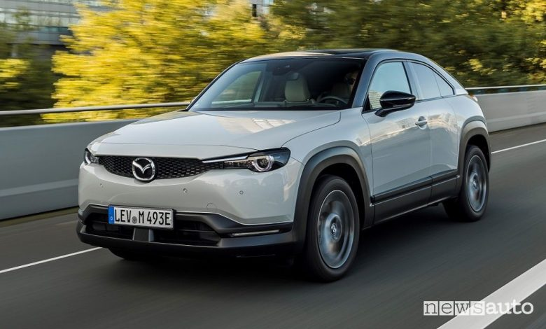 Mazda MX-30 a noleggio lungo termine, come funziona