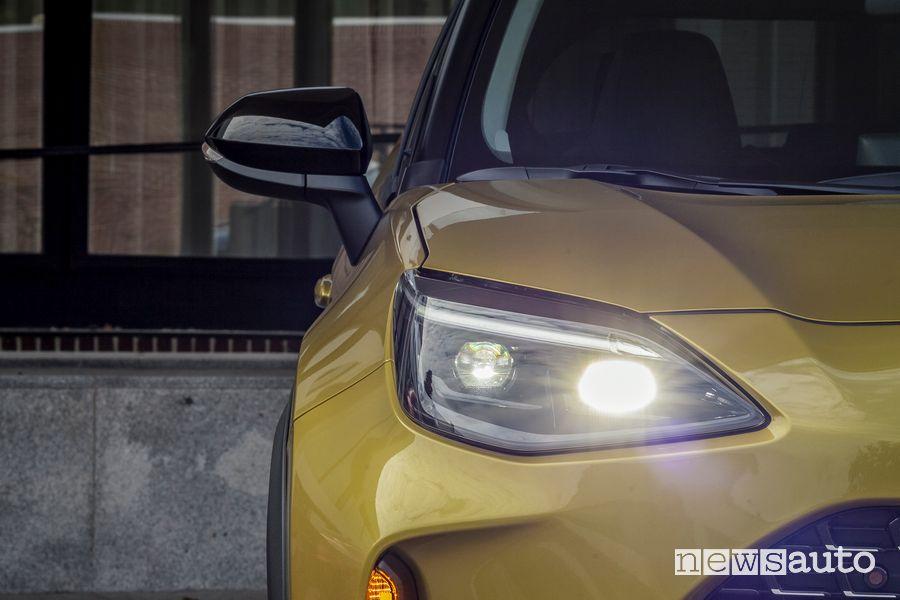 Faro LED anteriore nuova Toyota Yaris Cross Premiere