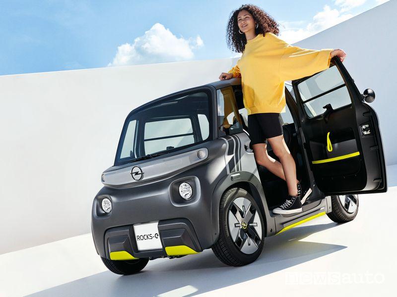 Nuova Opel Rocks-e macchinetta elettrica