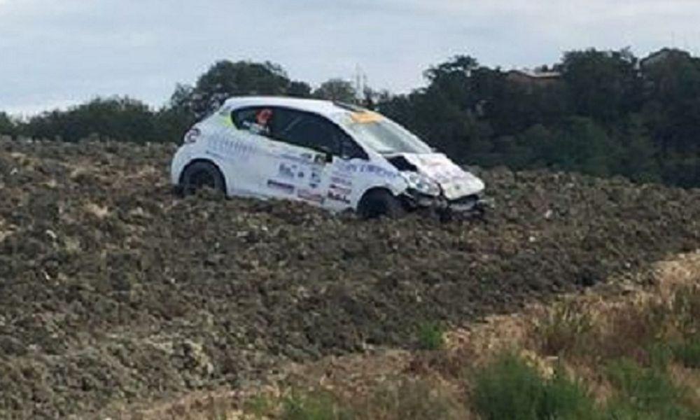 Incidente al Rally d'Appennino, cosa è successo Peugeot 208 R2