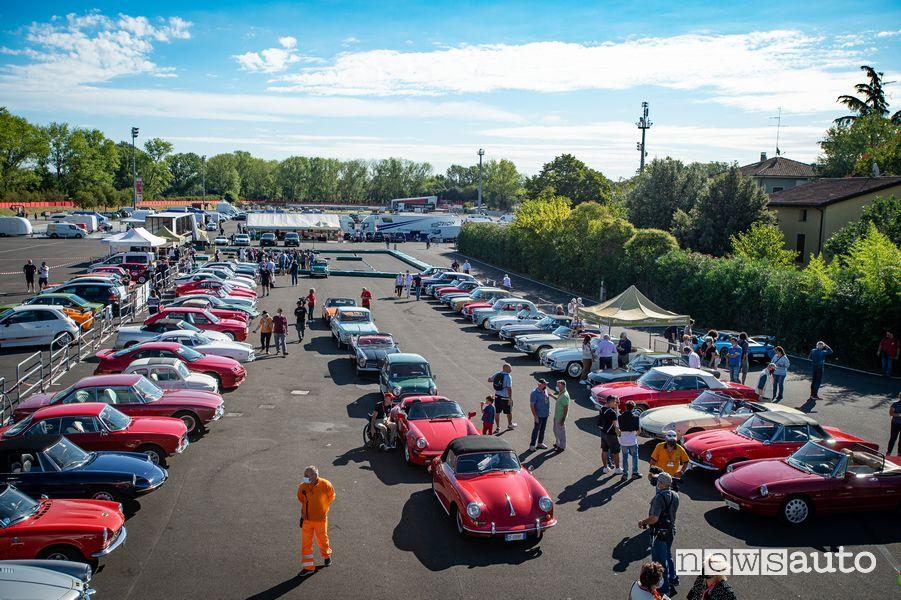 Raduno auto storiche ad Imola nell'Historic Minardi Day 2021