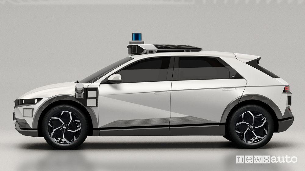 Vista laterale Hyundai Ioniq 5 robotaxi