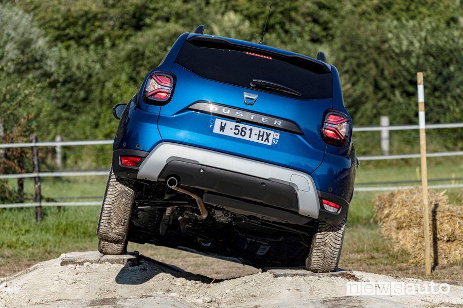 Vista posteriore nuovo Dacia Duster 4x4 in twist