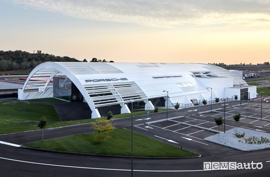Ingresso Porsche Experience Center di Franciacorta