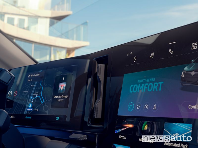 Plancia multimediale OpenR abitacolo nuova Renault Mégane E-TECH Electric