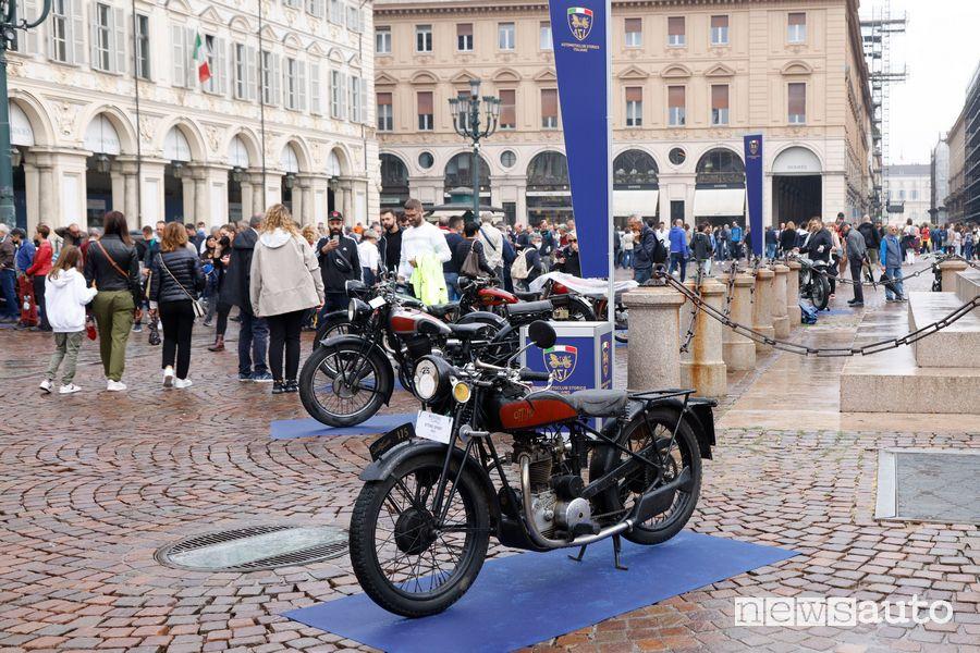 Esposizione moto storiche in Piazza San Carlo a Torino
