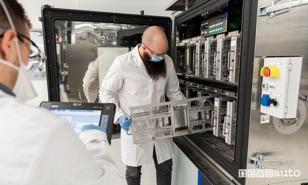 Volkswagen ricerca e sviluppo batterie auto elettriche nel centro Salzgitter
