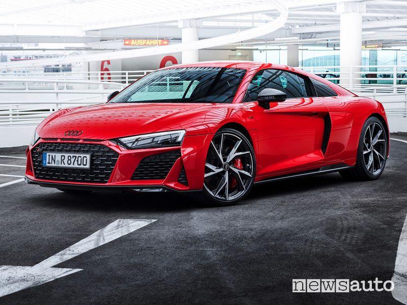 Vista di profilo Audi R8 Coupé V10 performance RWD