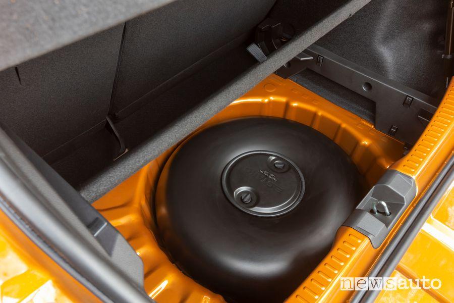 Dacia Eco-G LPG tank in the spare wheel compartment