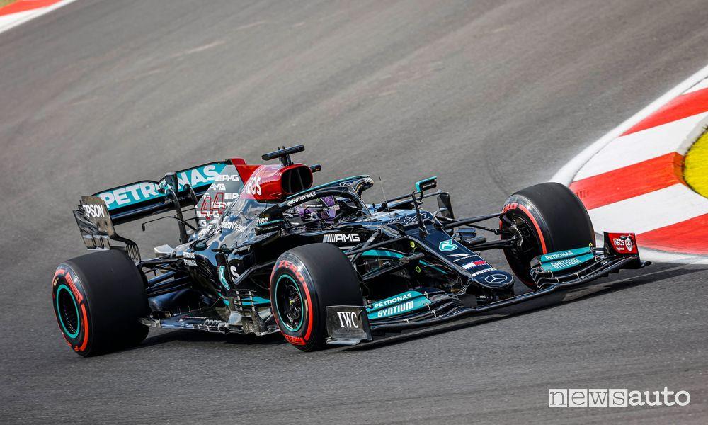 Qualifiche GP Turchia 2021 pole e penalità per Hamilton