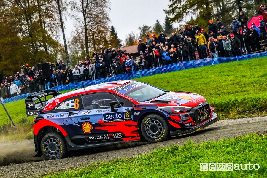 Ott Tanak took the Hyundai i20 Coupé WRC to 2nd place in the Rally of Finland